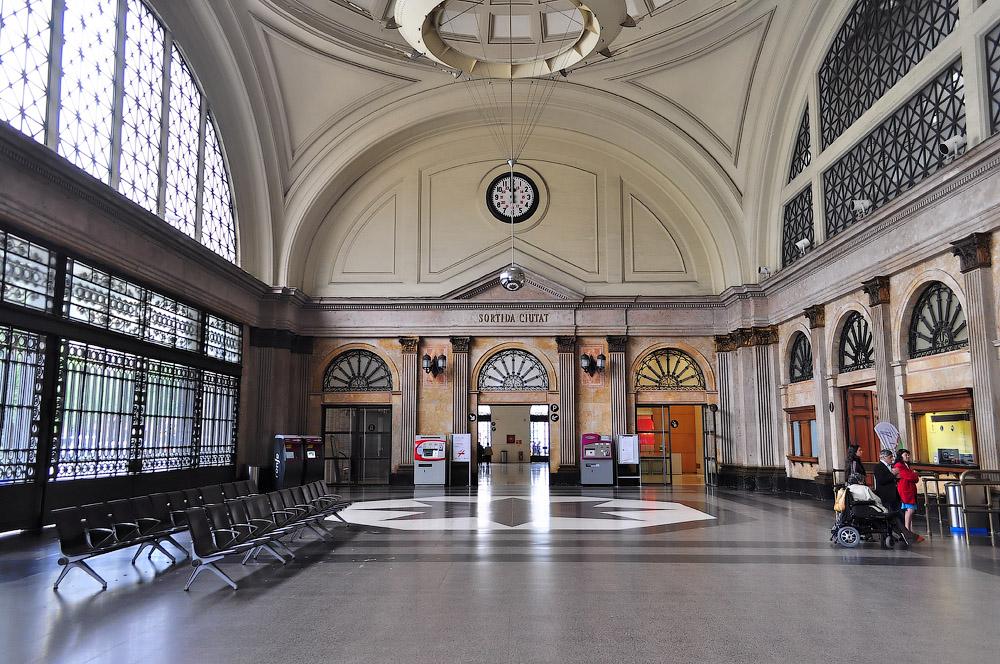 Французский вокзал, Estaci? de Fran?a